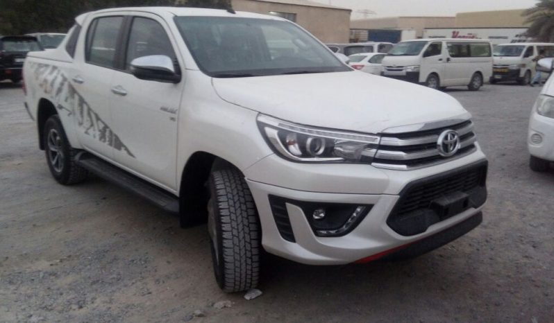 HILUX DOUBLE CAB 4.0L V6 PETROL TRD EDITION full