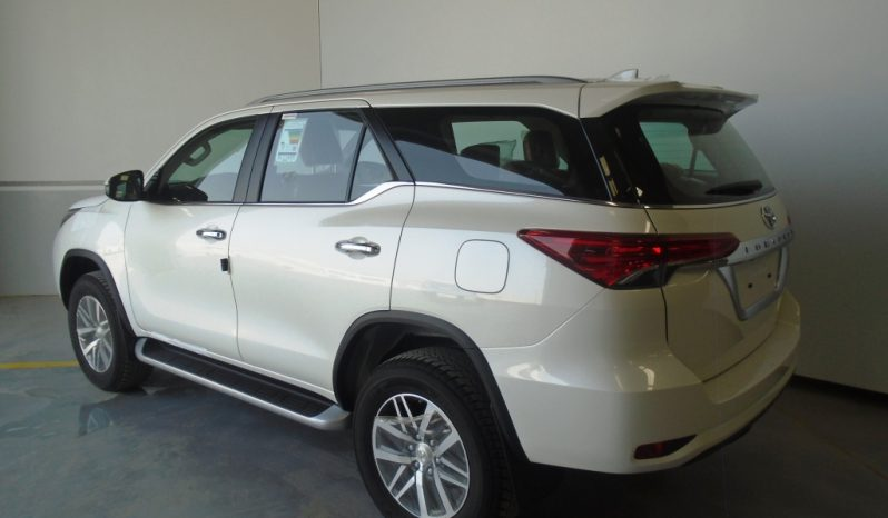 FORTUNER VXR+ 4.0L V6 GASOLINE 4×4 full
