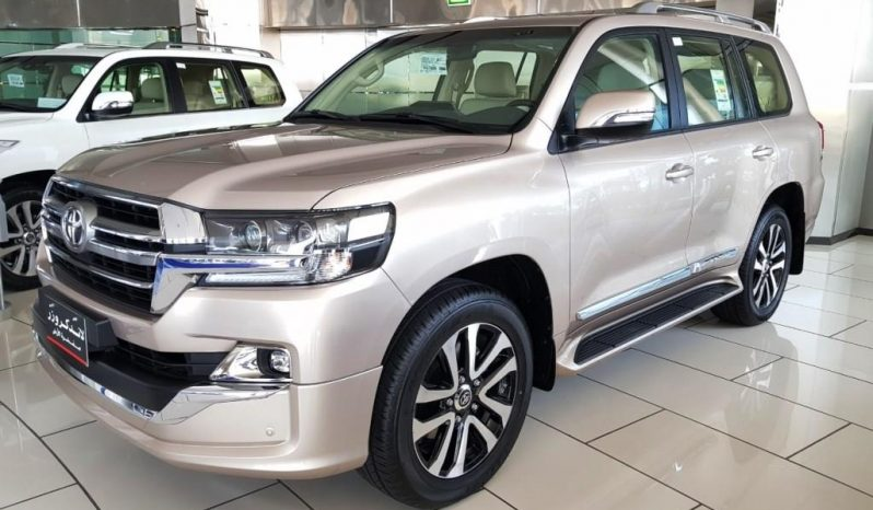 LANDCRUISER 200 WAGON LC 4.6L GX-R8 GASOLINE GRAND TOURING full