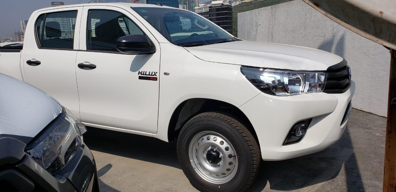 2021 TOYOTA HILUX DOUBLE CAB 2.8L DIESEL 201 HP 4X4 M/T